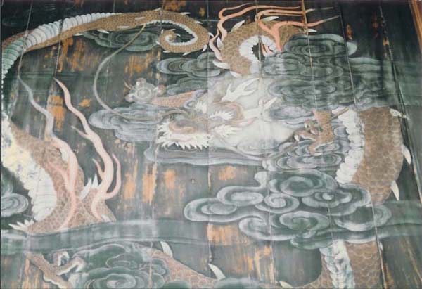 円頂寺の天井絵「八方にらみの龍」2